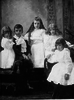 Original title:  File:Maurice Duplessis et ses soeurs.png - Wikimedia Commons
