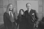 Original title:  Singer John Lennon and Yoko Ono with Prime Minister Pierre Elliott Trudeau.