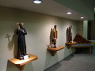 Titre original :    Description English: Our Lady of Victory Roman Catholic Church (Troy, New York), interior, statues of St.s Isaac Jogues, Kateri Tekakwitha, & Francis of Assisi Date 11 January 2012(2012-01-11) Source Own work Author Nheyob
