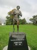 Titre original :    Description Terry Fox Statue unveiled at Mile 0 (Pacific Side). Very well done. Terry Fox statue in Beacon Hill Park, Victoria, British Columbia, Canada. Date 8 October 2005, 12:38 Source October 8, 2005 - Terry Fox Statue Uploaded by Skeezix1000 Author Logantech