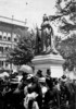 Titre original :  Unveiling of the Victoria Monument by Lord Grey, Hamilton, Ont.