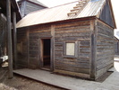 Titre original :    Description A rebuilt version of Robert Rundle's chapel c. 1846 at Fort Edmonton Park. Date 2 May 2008 Source Own work Author Rpmullan