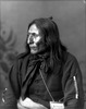 Titre original :    Description English: Photographic portrait of Crowfoot, Head Chief of the Blackfoot Date circa 1885(1885) Source Provincial Archives of Alberta and Library and Archives Canada Author Alex Ross