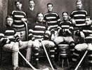 "Titre original :    Description Français : Le club de hockey d'Ottawa, champion de la Coupe Stanley en 1905. Debout (de gauche à droite) : Harry «  Rat  » Westwick, M. McGilton, Hamilton «  Billy  » Gilmour, Frank McGee. Assis (de gauche à droite) : Dave Finnie, Harvey Pulford, Alf Smith, Arthur Moore. English: Ottawa Hockey Club ""Silver Seven"" (1905) Date 1905(1905) Source This image is available from Library and Archives Canada under the reproduction reference number PA-091046 This tag does not indicate the copyright status of the attached work. A normal copyright tag is still required. See Commons:Licensing for more information. Library and Archives Canada does not allow free use of its copyrighted works. See Category:Images from Library and Archives Canada. Author Thomas Patrick Gorman Permission (Reusing this file) Public domainPublic domainfalsefalse This image (or other media file) is in the"