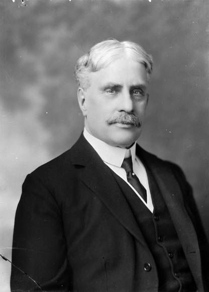 the life and career of borden sir robert laird Sir robert borden was canada's prime minister from 1911 to 1920 war leader borden led canada through one of the most difficult periods in its history he orchestrated its enormous contribution to the war effort while managing growing social tensions and political problems at home canada had little control over its.