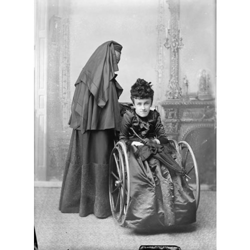 Original title:  MIKAN 3467536 MIKAN 3467536: Baroness MacDonald of Earnscliffe and daughter Mary. May 1893 [56 KB, 423 X 580]