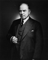 Titre original :  Portrait of the Rt. Hon. William L. Mackenzie King, Prime Minister of Canada from 1921 to 1926; from 1926 to 1930 and from 1935 to 1948.