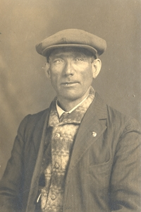 Original title:  George Tuff, Second Hand of the SS Newfoundland, n.d. [Photographer S. H. Parsons and Sons]. Reproduced by permission of Archives and Special Collections (Coll. 115 16.04.032), Memorial University Libraries, St. John's, Newfoundland and Labrador.