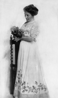 Original title:  Lady Lougheed. Date: [ca. early 1900s]. Image courtesy of Glenbow Museum, Calgary, Alberta.