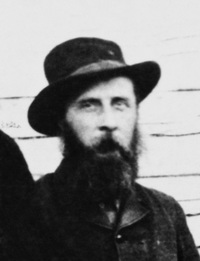 Titre original :  Inspector Francis Jeffries Dickens (son of novelist Charles Dickens). Date: 1884. Fort Pitt, Saskatchewan. Image courtesy of Glenbow Museum, Calgary, Alberta.