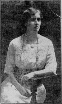 Titre original :  Winona Flett (Mrs. F. J. Dixon). Winnipeg Tribune, October 14, 1914, page 6.