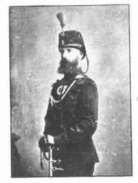 Titre original :  Major Edward M. Chadwick, 1876, Queen's Own Rifles. From: The family of Chadwick in Canada by Edward Marion Chadwick. Toronto, 1892. Source:  https://archive.org/details/cihm_68100/page/n113/mode/2up.