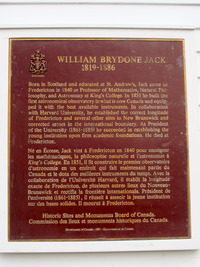 Original title:    Description English: Historic Sites and Monuments board of Canada plaque on the W Brydone Jack Observatory on University of New Brunswick Campus, Fredericton Date 28 November 2012, 15:16:31 Source Own work Author HazelAB