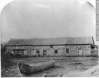 Titre original :  Photograph McDermot's store, near Fort Garry, Red River, MB, 1858 Humphrey Lloyd Hime 1858, 19th century Silver salts on paper mounted on paper - Albumen process 13 x 17 cm MP-0000.1453.14 © McCord Museum Keywords:  Architecture (8646) , Photograph (77678) , rural (407)