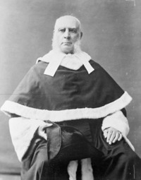 Titre original :  The Hon. Samuel Henry Strong, (Chief Justice of the Supreme Court of Canada) Aug. 13, 1825 - Aug. 31, 1909.