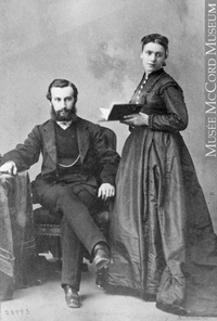 Titre original :  Photograph Mr. and Mrs. J. Breakey, Montreal, QC, 1867 William Notman (1826-1891) 1867, 19th century Silver salts on paper mounted on paper - Albumen process 8.5 x 5.6 cm Purchase from Associated Screen News Ltd. I-28993.1 © McCord Museum Keywords:  couple (556) , Photograph (77678) , portrait (53878)