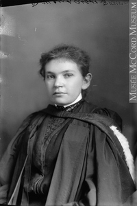 Titre original :  Photograph Dr. Maude Abbott, Montreal, QC, 1904 Wm. Notman & Son 1904, 20th century Silver salts on glass - Gelatin dry plate process 17 x 12 cm Purchase from Associated Screen News Ltd. II-150659 © McCord Museum Keywords:  female (19035) , Photograph (77678) , portrait (53878)