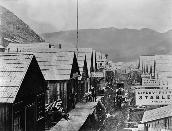 Titre original :  MIKAN 3192831 MIKAN 3192831: View of Barkerville on B.C.'s entrance to Confederation  ca. 1869 [64 KB, 628 X 480]