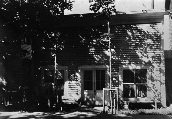 Original title:  MIKAN 3320553 : Sir Wilfrid Laurier's law office in Arthabaska, Québec.